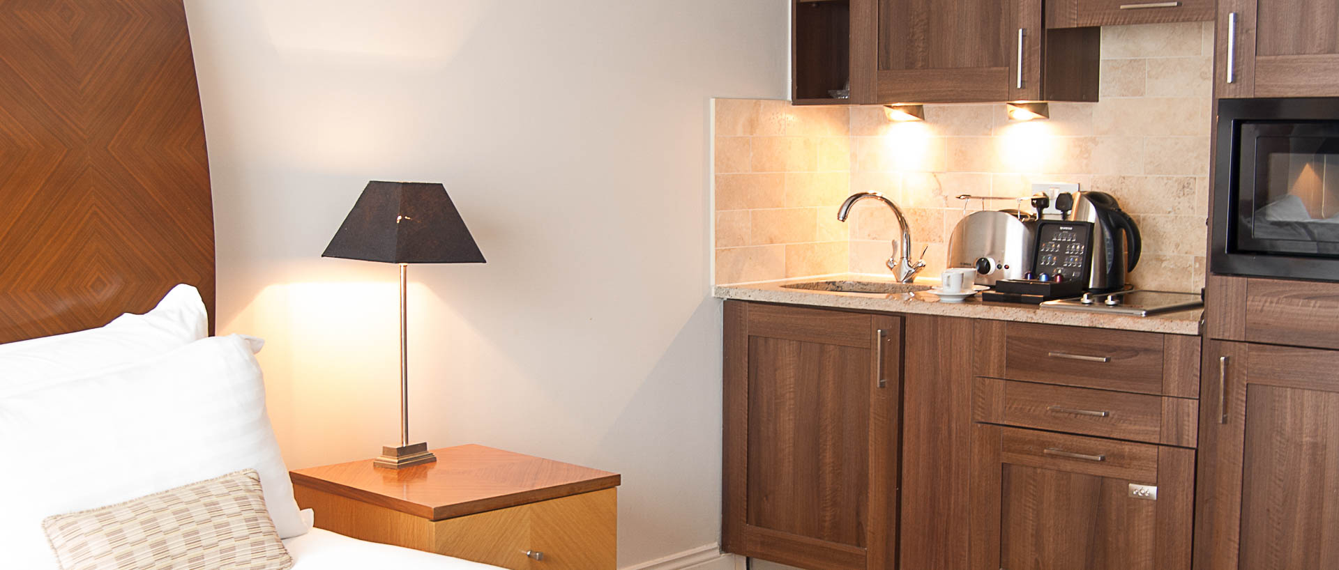 Kitchen Facilities in PREMIER SUITES Dublin Leeson Street serviced apartments