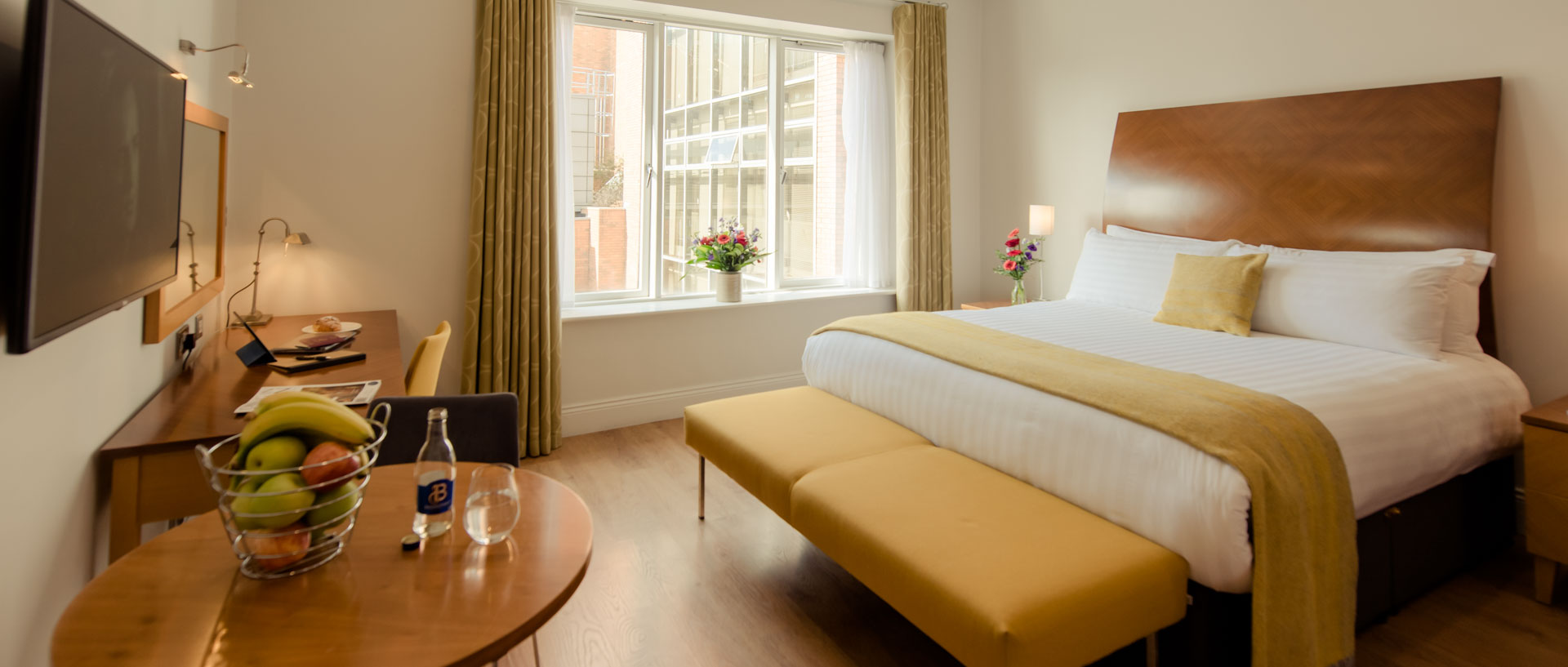 PREMIER SUITES PLUS Leeson Street double bedroom